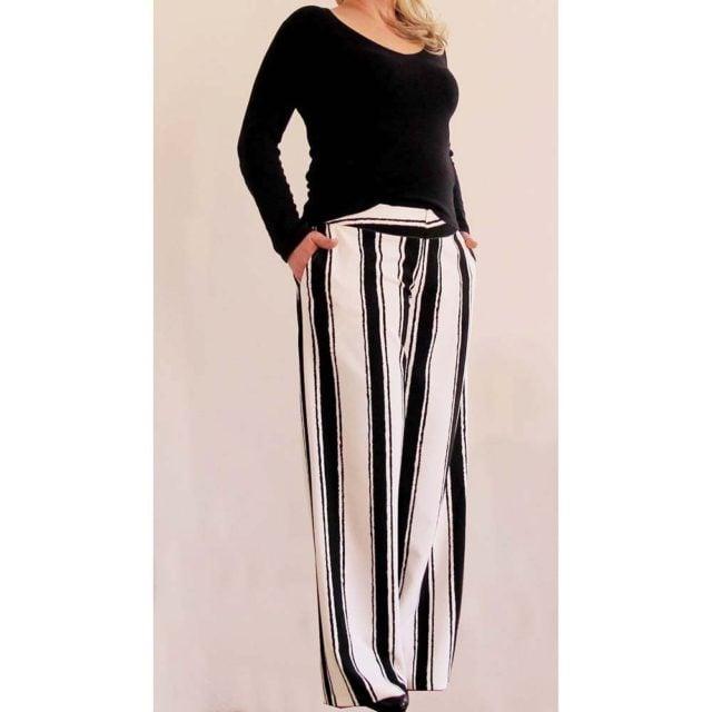 Pantalone di linea morbida al fondo